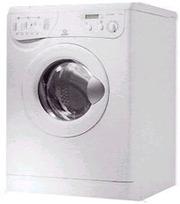 отдам стиральную машину на запчасти.Indesit we 8 x