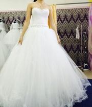 Продам свадебное платье,  аксессуары в подарок!!!