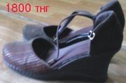 Продам женские коричневые туфли на удобной платформе,