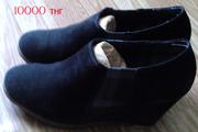 Продам женские черные ботинки (замша)